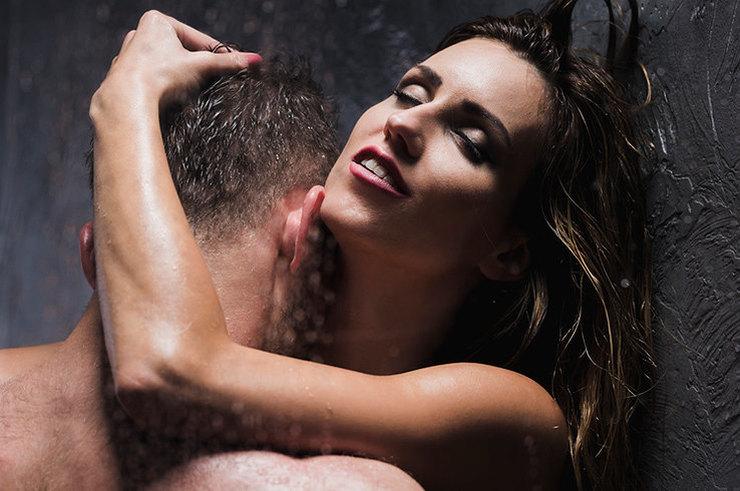 половые вдвоем в душе фото спит голышом, кто-то