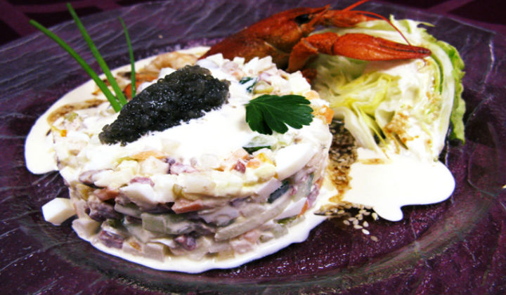 Салат Оливье к Новому году 2020 по новому рецепту — вкуснее, чем классический