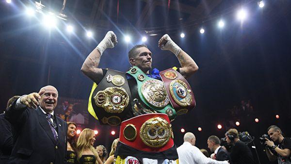 Усик отказался от титула IBF в первом тяжелом весе