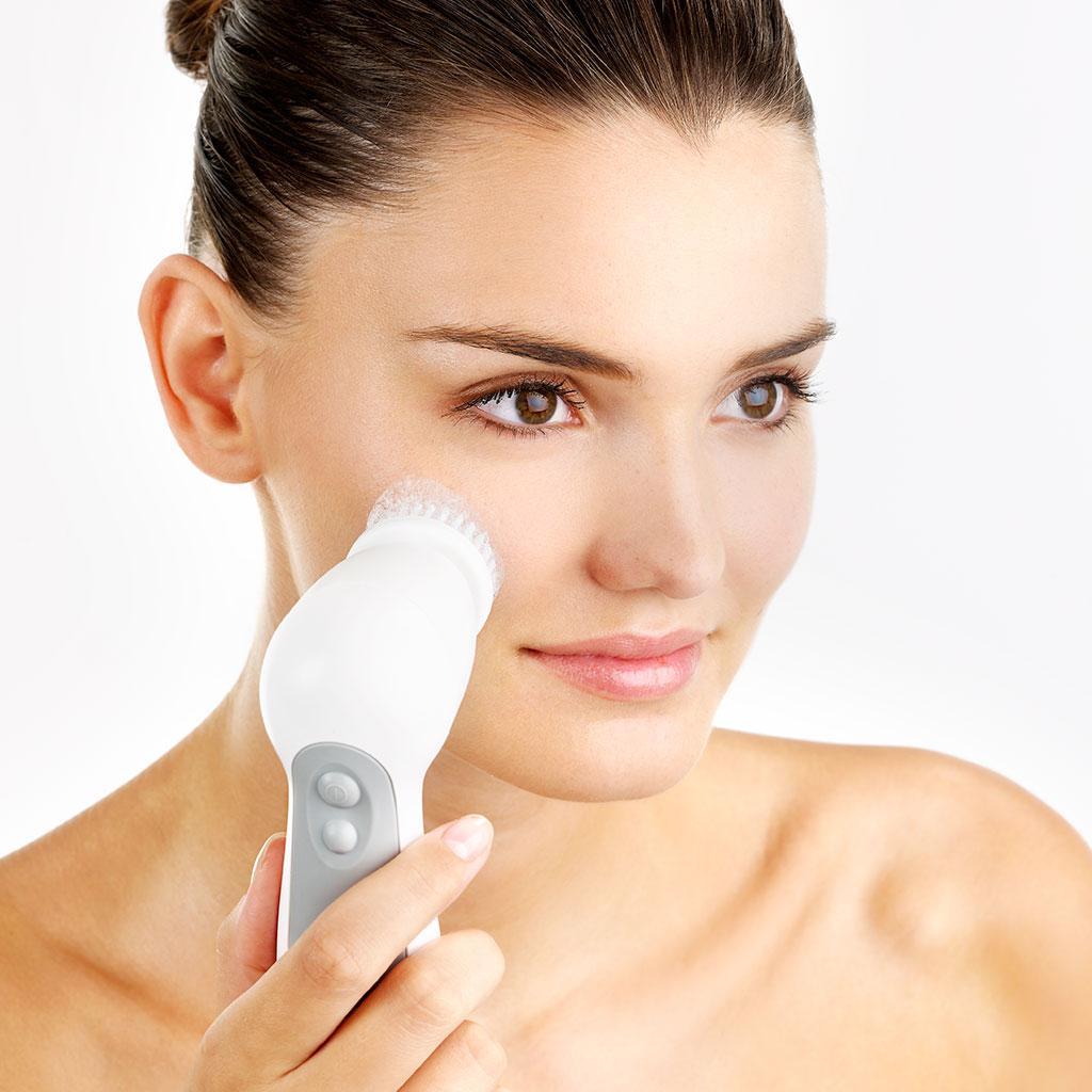 Пилинг или чистка лица: что лучше, выбор по типу кожи, советы косметологов