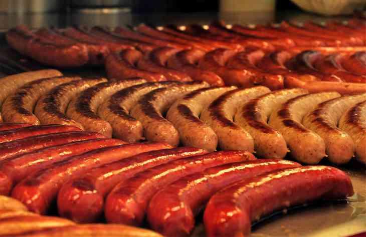 ВОЗ: колбаса настолько же вредна, как алкоголь и сигареты