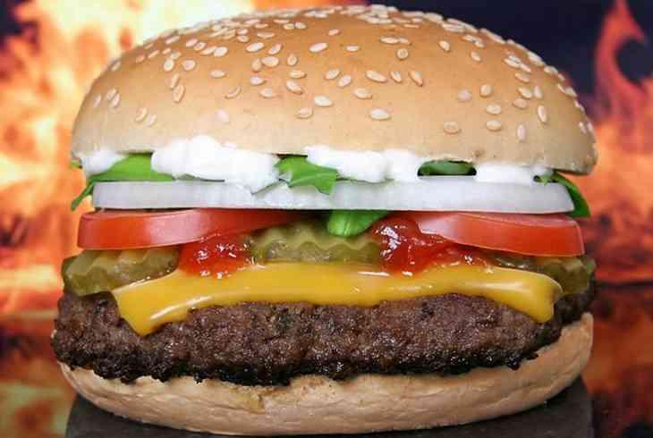 Врачи рассказали, как употребление жирного может влиять на пищеварение