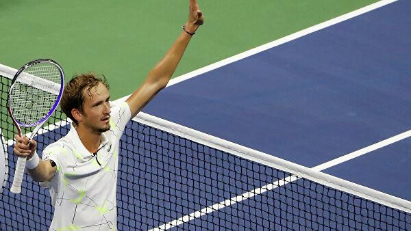Теннисистка далась в попу