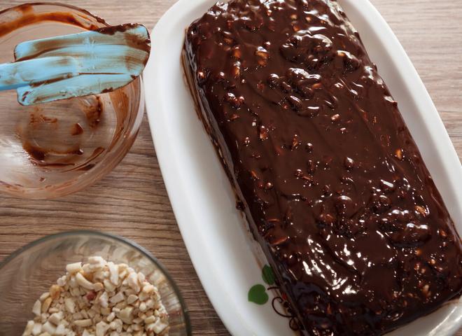 Торт «Сникерс»: рецепт орехово-шоколадного удовольствия