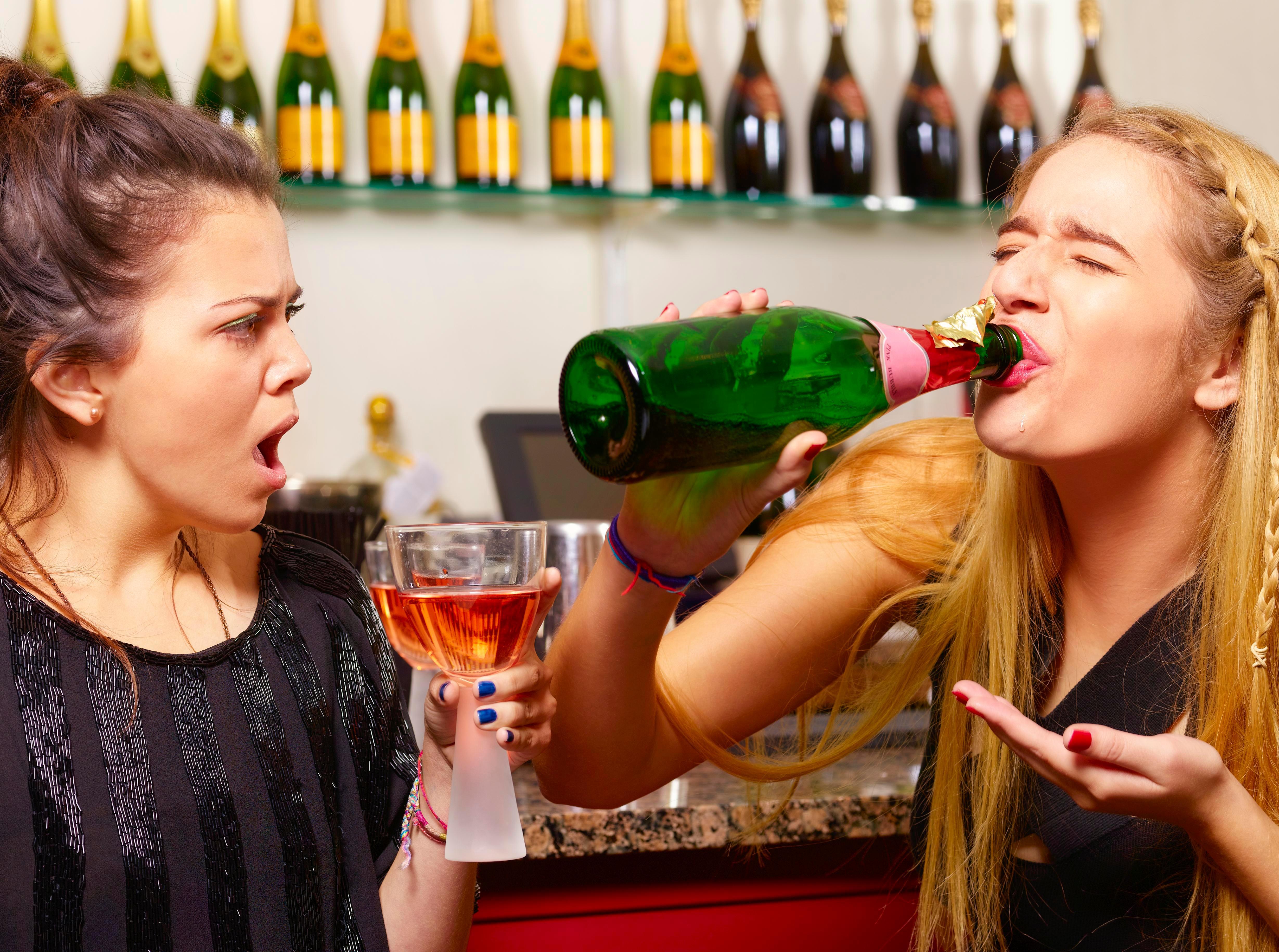 Девушки пьют картинки смешные, отдыхе прикольные