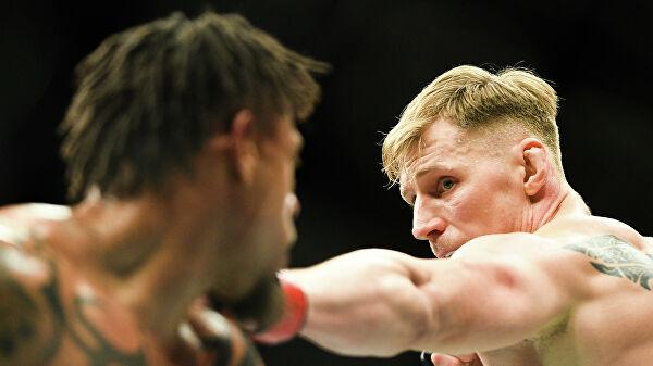 Турнир UFC в Москве завершился победными боями Волкова и Магомедшарипова