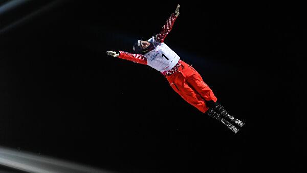Буров стал вторым в акробатике на этапе КМ по фристайлу в Китае