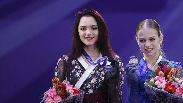 Медведева о соперницах: их неприлично называть юными