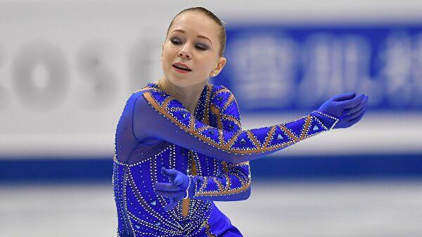 Одна из фигуристок снялась с чемпионата России