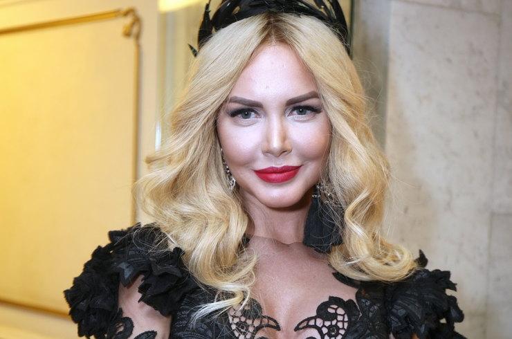 «Богиня секса»: похудевшая Маша Малиновская снялась в провокационном мини-платье