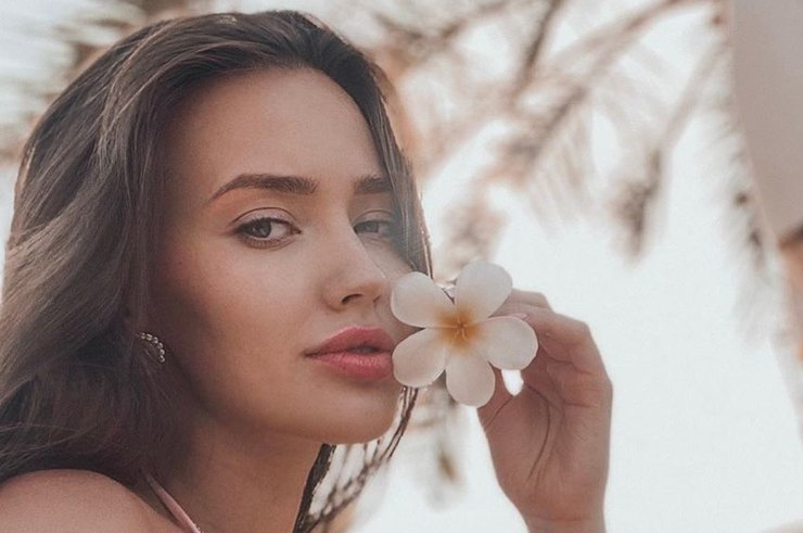 Беременная Анастасия Костенко призналась, что ощутила «острое желание родить»
