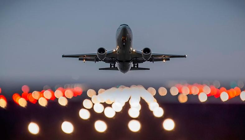 Названы самые дешевые авиабилеты на Новый год