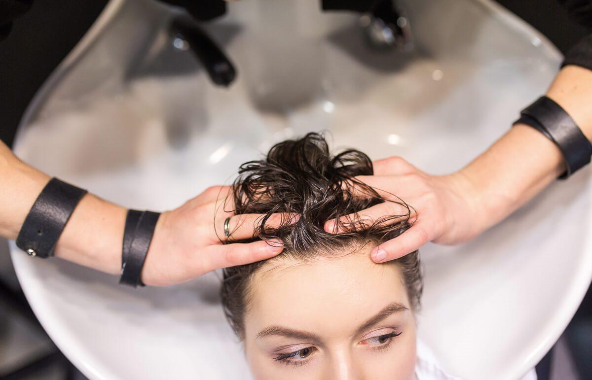 Определите, как часто нужно мыть голову именно вам