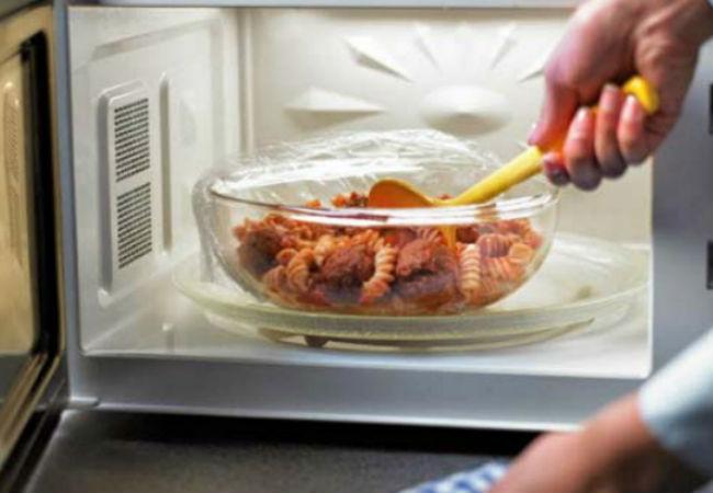 Скрытые возможности микроволновки: готовим без плиты и духовки