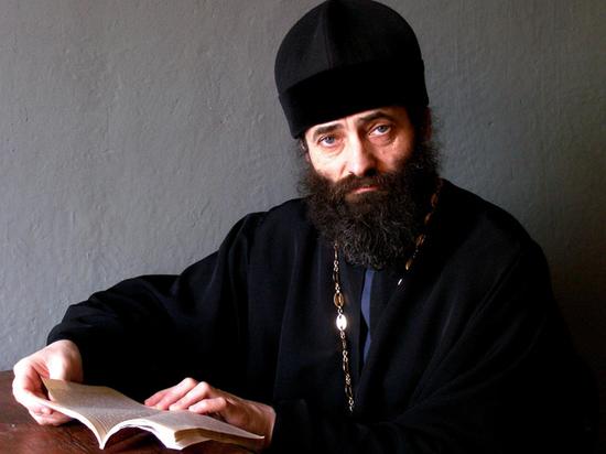 Суть праздника Крещения раскрыл священник с необычной биографией