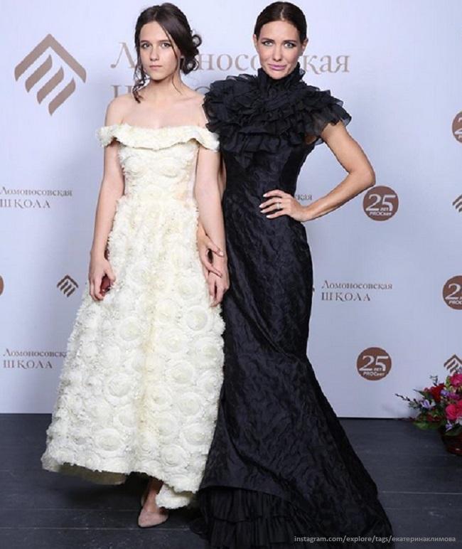 Екатерина Климова похвасталась аттестатом красавицы-дочери
