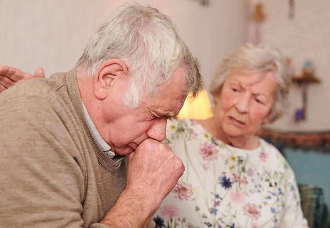 Перечислены симптомы пневмонии, возникающие до кашля