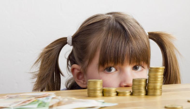 Власти обещали навести порядок в выплатах детям от 3 до 7 лет