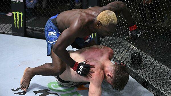 «Поезд хайпа» остановлен: Золотого мальчика UFC впервые нокаутировали