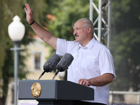 Названы условия, при которых Лукашенко «подвинется»