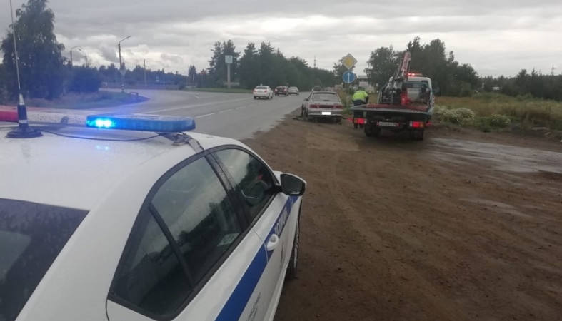 В Петрозаводске водитель рискнул безопасностью ребенка