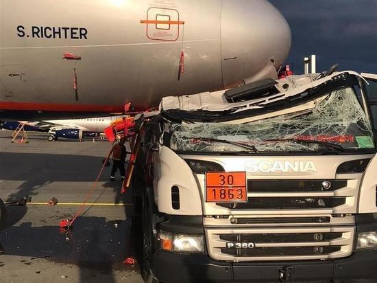 Пилот оценил последствия «тарана» самолета заправщиком в Шереметьево