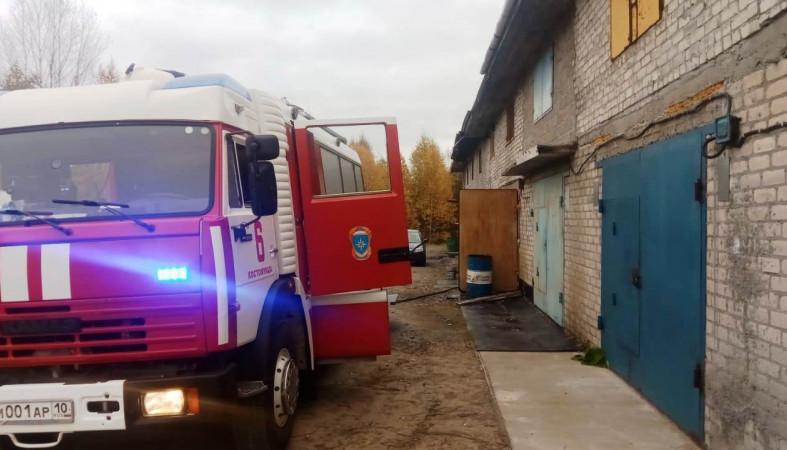 Вчера в Костомукше горел гаражный бокс