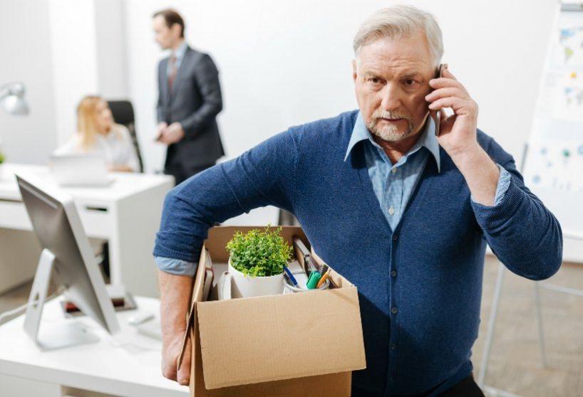 Пенсионеры России стали массово увольняются с работы, стоит ли ждать индексации в 2021 году