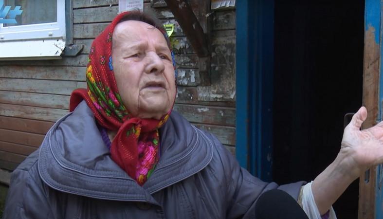 Прокуратура заинтересовалась замерзающей в бараке бабушкой-ветераном