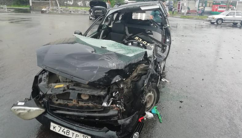 Молодой мужчина пострадал сегодня в жестком ДТП на Кукковке