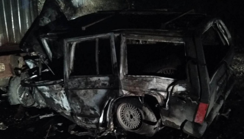 «Джип Чероки» загорелся после ДТП в Петрозаводске