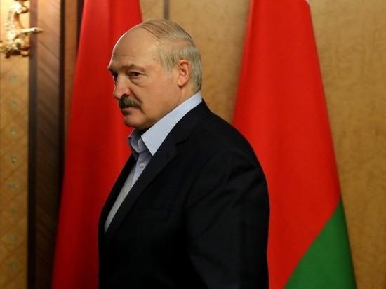 Лукашенко «по-мужски» заявил, что не отдаст власть