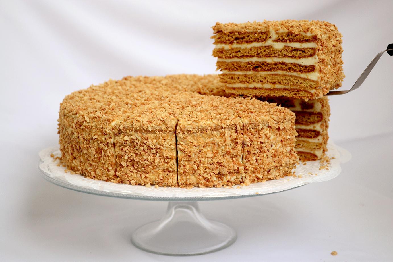 Пирог «Кучерявый» и торт «Медовый»