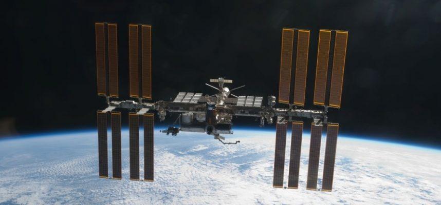 Роскосмос: Утечка воздуха с МКС изолирована