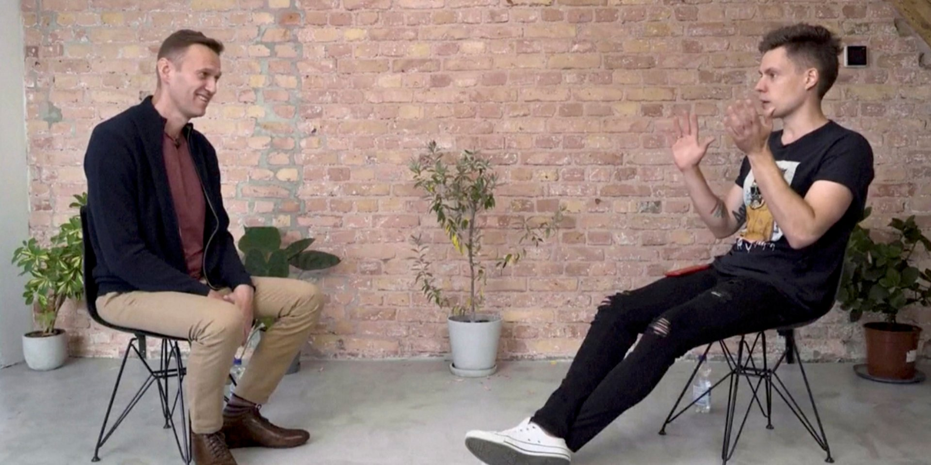 «Никто не знал, что это «Новичок», потому никто и не отравился»: Навальный дал интервью Юрию Дудю