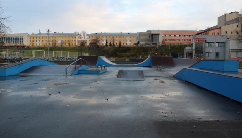 Площадку для занятий экстремальными видами спорта обновили на «Юности»