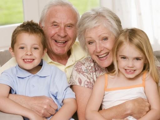 Поздравления с Днем бабушек и дедушек в стихах и прозе 28 октября 2020 года