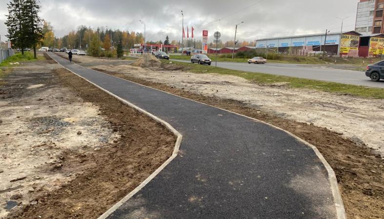 Вдоль Лососинского шоссе в Петрозаводске оборудовали дорожку