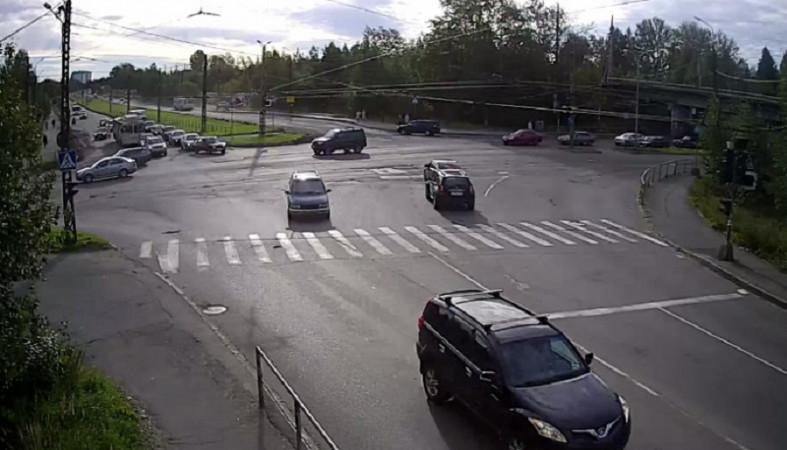 Режим работы светофоров изменится на перекрестке четырех дорог