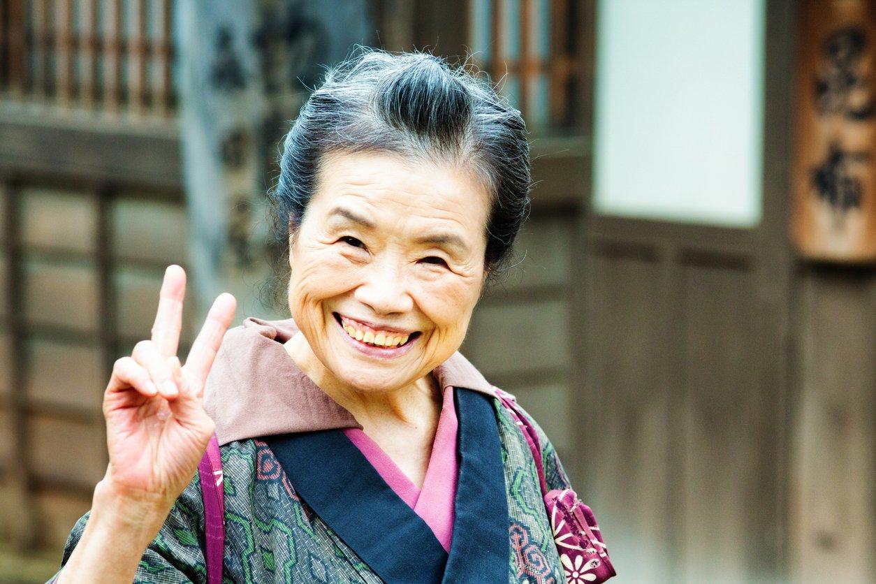 Почему в Японии пенсионеры живут дольше, чем у нас? 4 неприятные причины