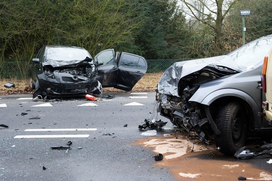 Проблема ям по-прежнему актуальна: водители смогут быстрее взыскать ущерб с дорожников