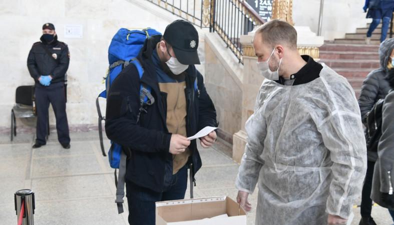 На железнодорожных вокзалах Карелии проверяют масочный режим