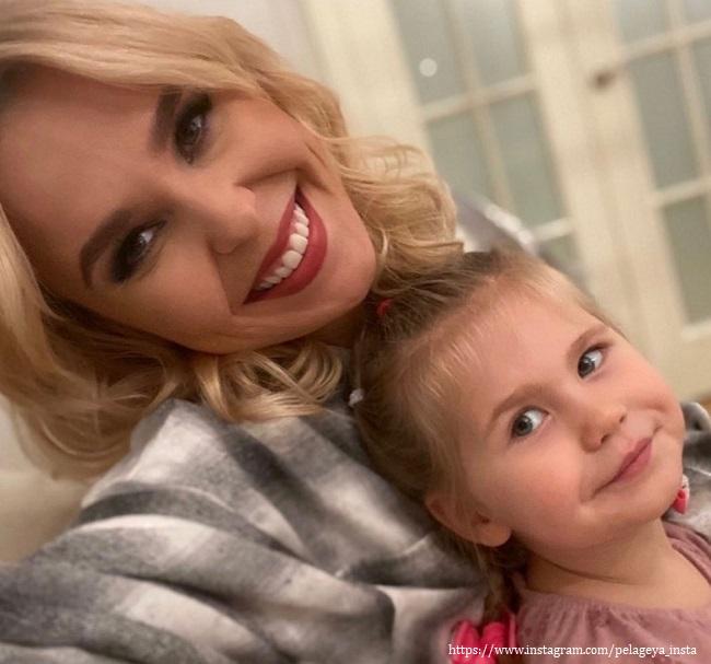 Дочка певицы Пелагеи показала, как умеет краситься