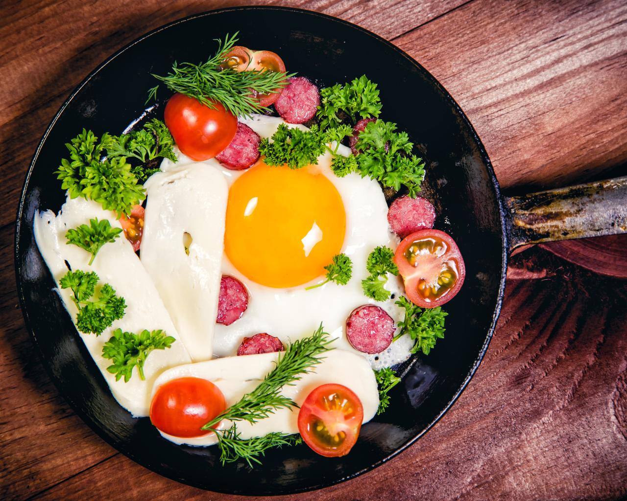 Эксперт назвал самый вредный способ приготовления и употребления яиц