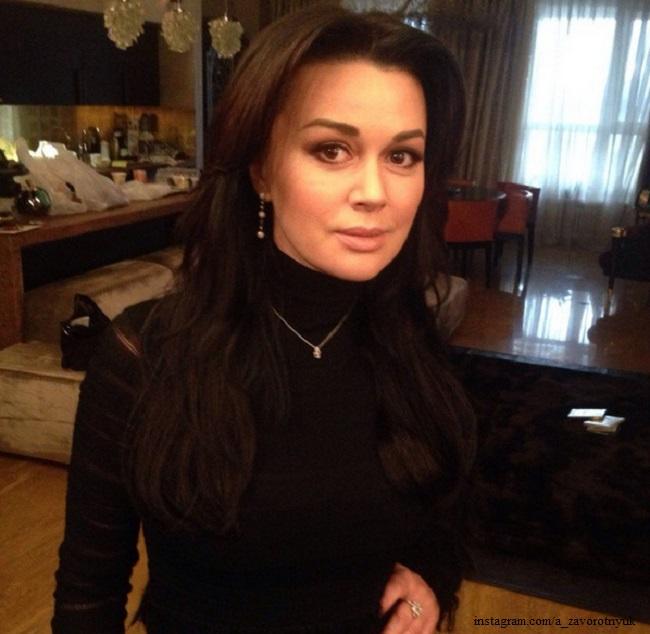 Бондарчук рассказала о здоровье Анастасии Заворотнюк