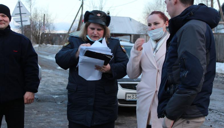 У жителя Перевалки арестовали машину за долги по ЖКУ