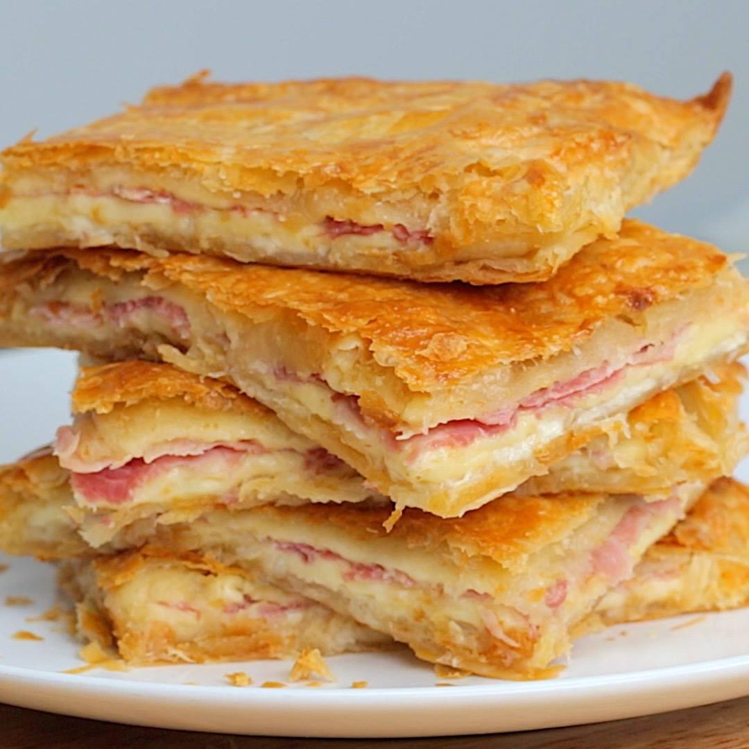 Пирог «Палочка – выручалочка» с ветчиной и сыром.