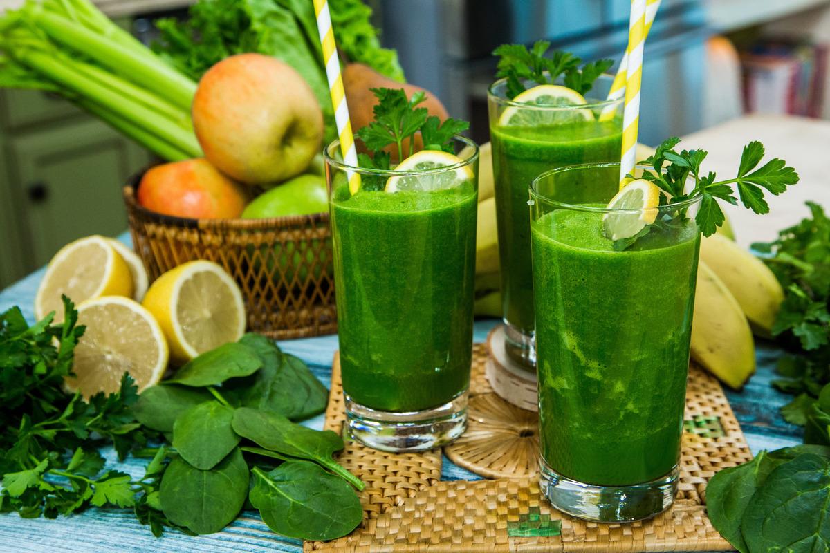 Зеленые коктейли для здоровья и красоты